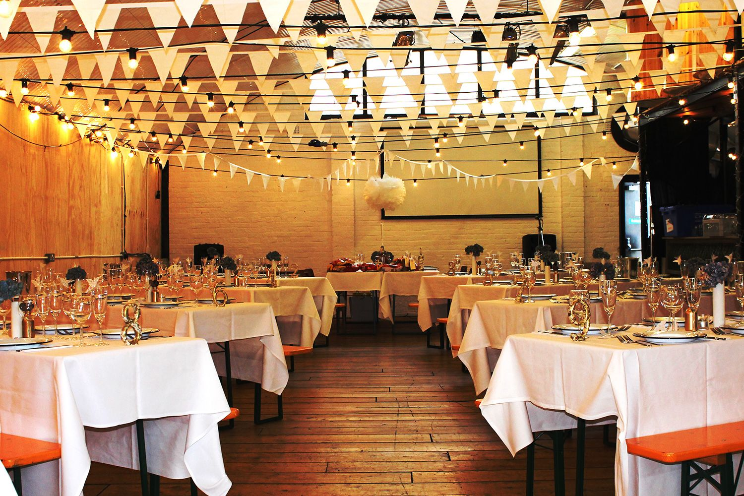 The Light Arch is ideal for wedding breakfast seating up