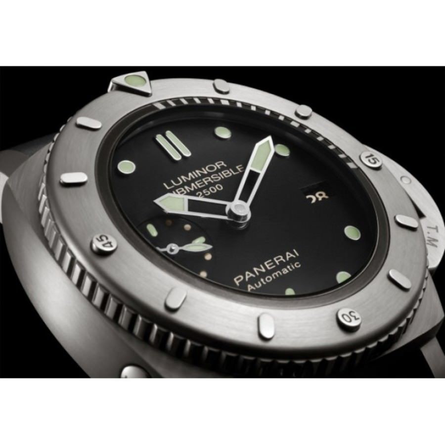 Panerai PAM 364 Submersible Limited Ed. | Luxify | Luxury Within Reach