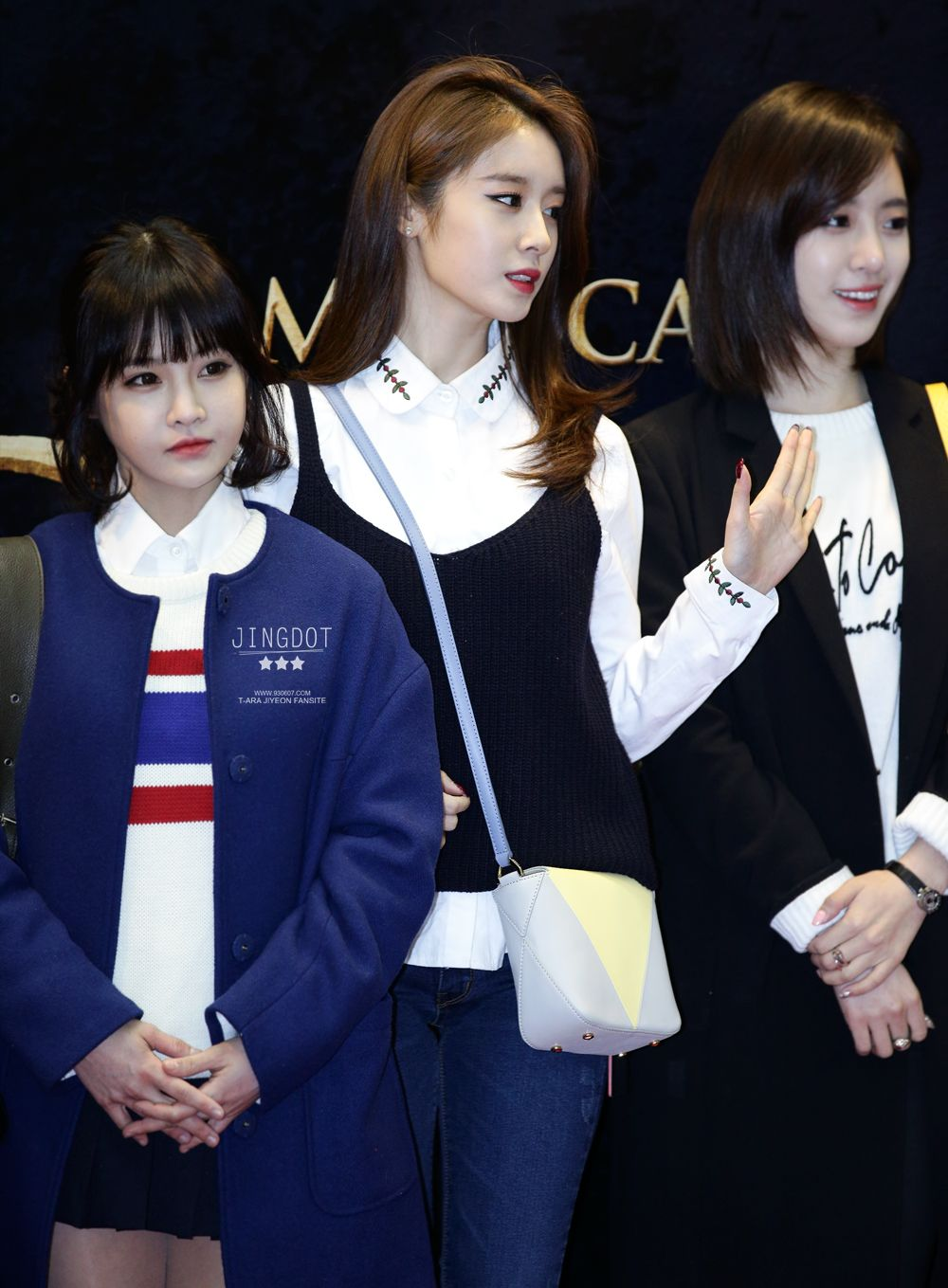 Boram, Jiyeon and Eunjung [Studio K] It seems like Boram is the daughter of Jiyeon :D