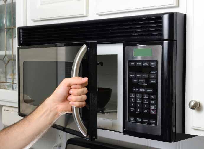 O microondas é um electrodoméstico que existem em quase todas as habitações. Ele não serve apenas para aquecer e descongelar comida, pode ter muitas mais funções que de certeza nunca ouviu falar. No entanto elas são muito úteis.