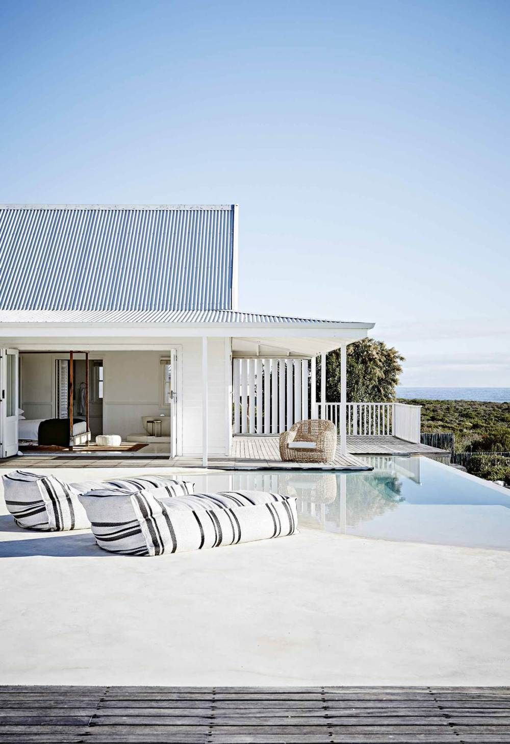 A Beach House In South Africa In 2020 Contemporary Beach House Modern Beach House Beach House Decor