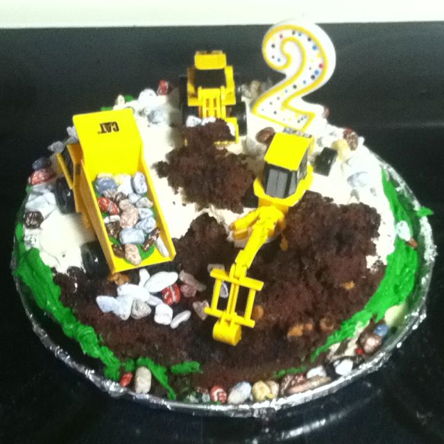 My son's 2nd birthday cake for his Construction Themed Birthday!!