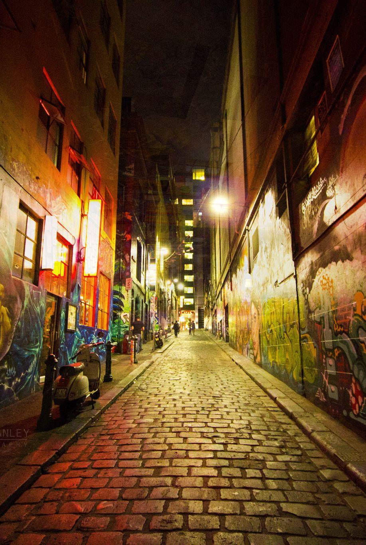Down The Dark Foreboding Alleyway Melbourne Street Melbourne Laneways Melbourne Victoria