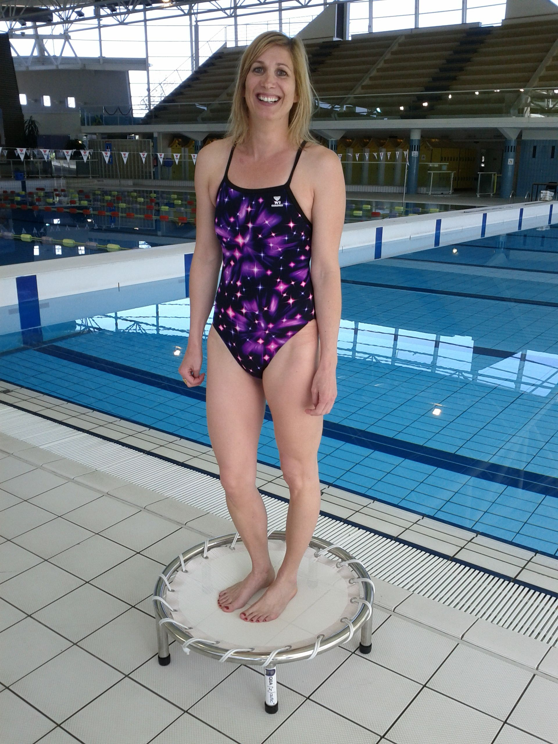 Trampoline aquatique pour piscine avec KARINE BREMOND 14 titres