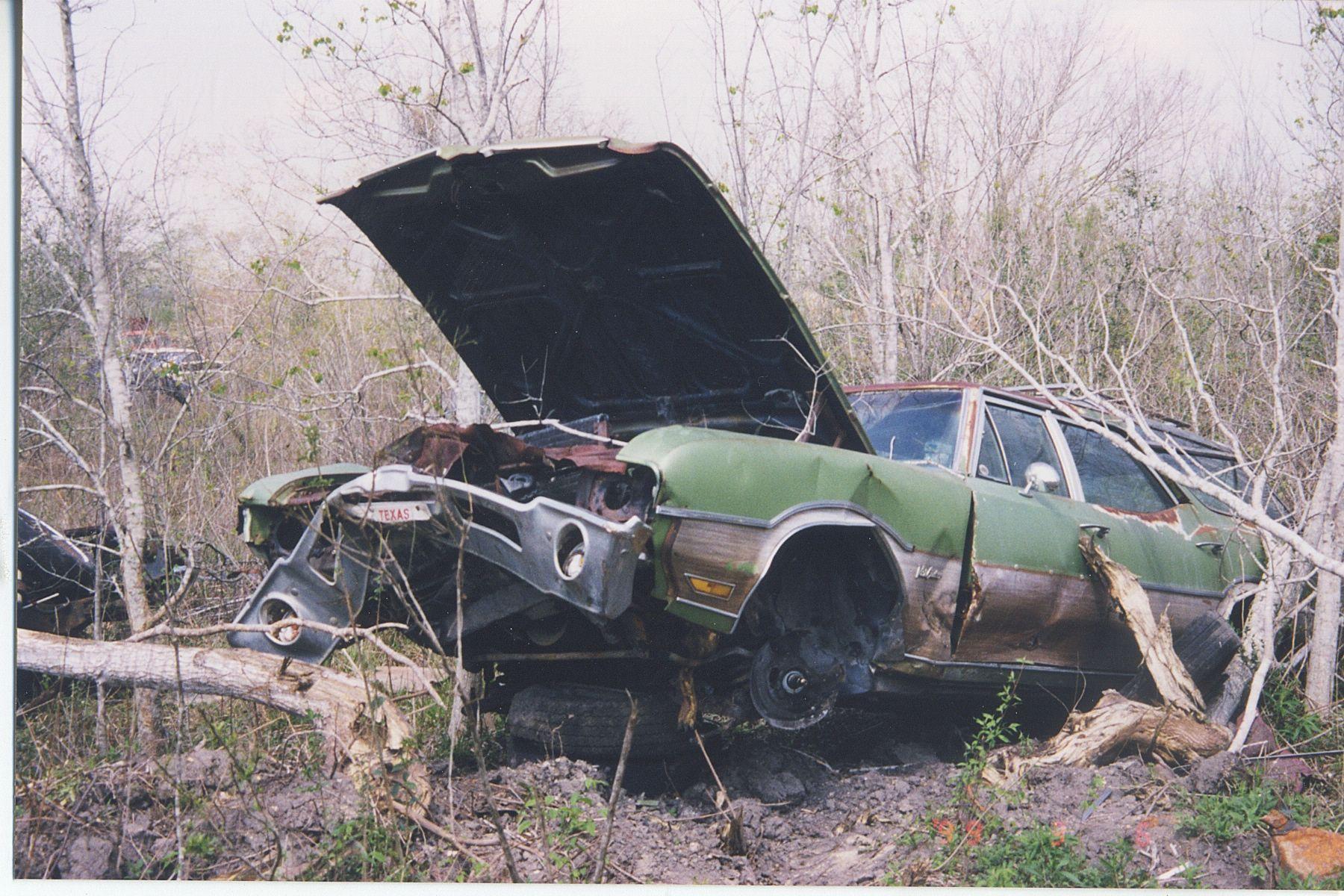Abandoned Junkyard Houston Auto Salvage 10 Years Later Abandoned Vista Cruiser Abandoned Cars
