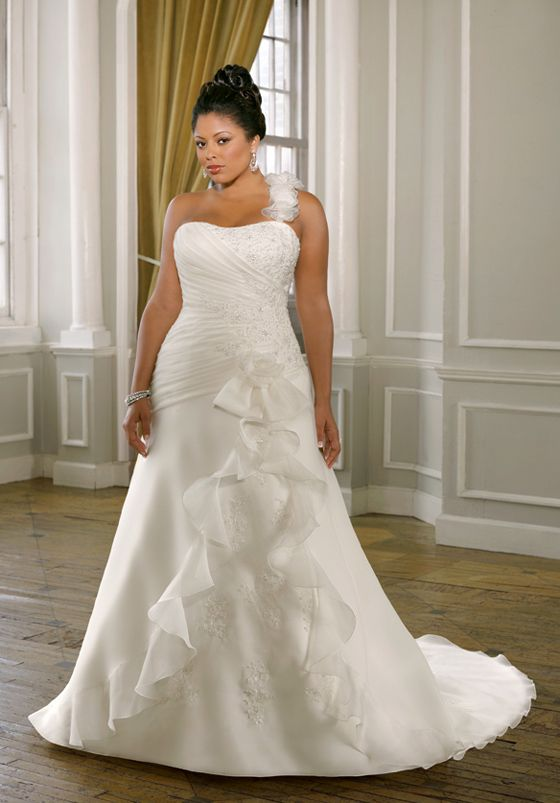 Unique plus size wedding dresses house of brides for Unique wedding dress styles
