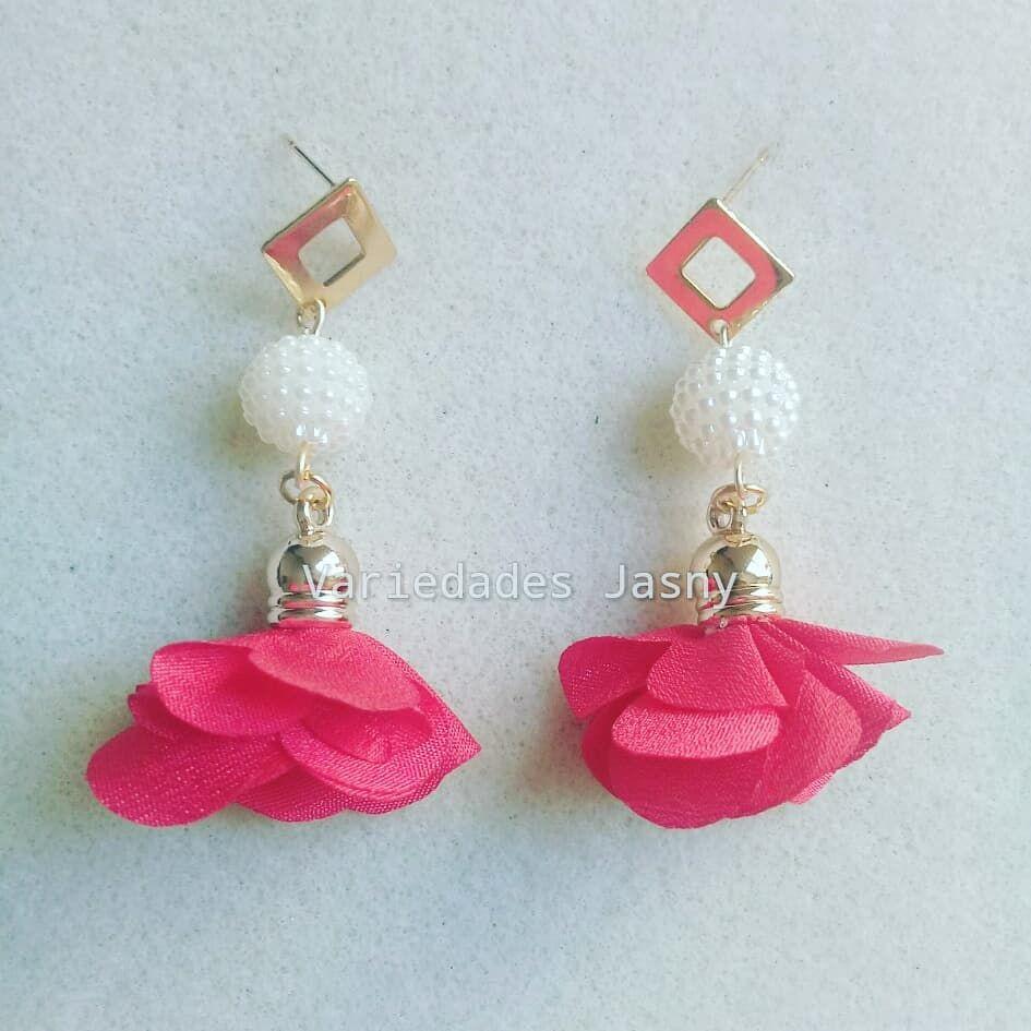 cb1b2d2aa46f  aretes  borla y  cuentas  flor  rojo  moda  belleza  accesorios   hechoamano  queregalar. Envíos a toda Colombia. Escriba a…