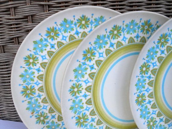 Vintage Melamine Plate Set of 7 Aqua and Avocado Retro Dinnerware Mod 9  & Vintage Melamine Plate Set of 7 Aqua and Avocado Retro Dinnerware ...