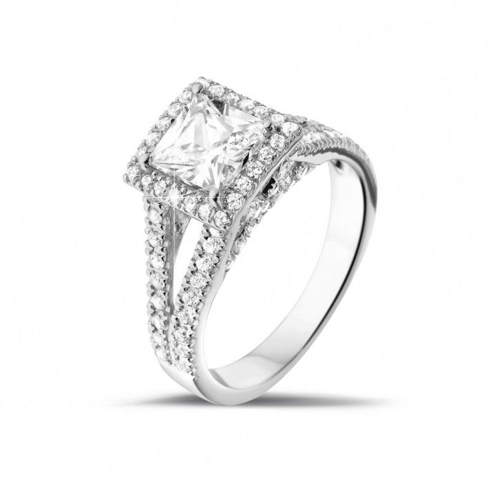 1.20 Carat Solitaire Diamond Ring In Platinum With Side Diamonds With A Total Of 0.70 Ct, Of High Quality 950 Platinum. Handmade In Antwerp.