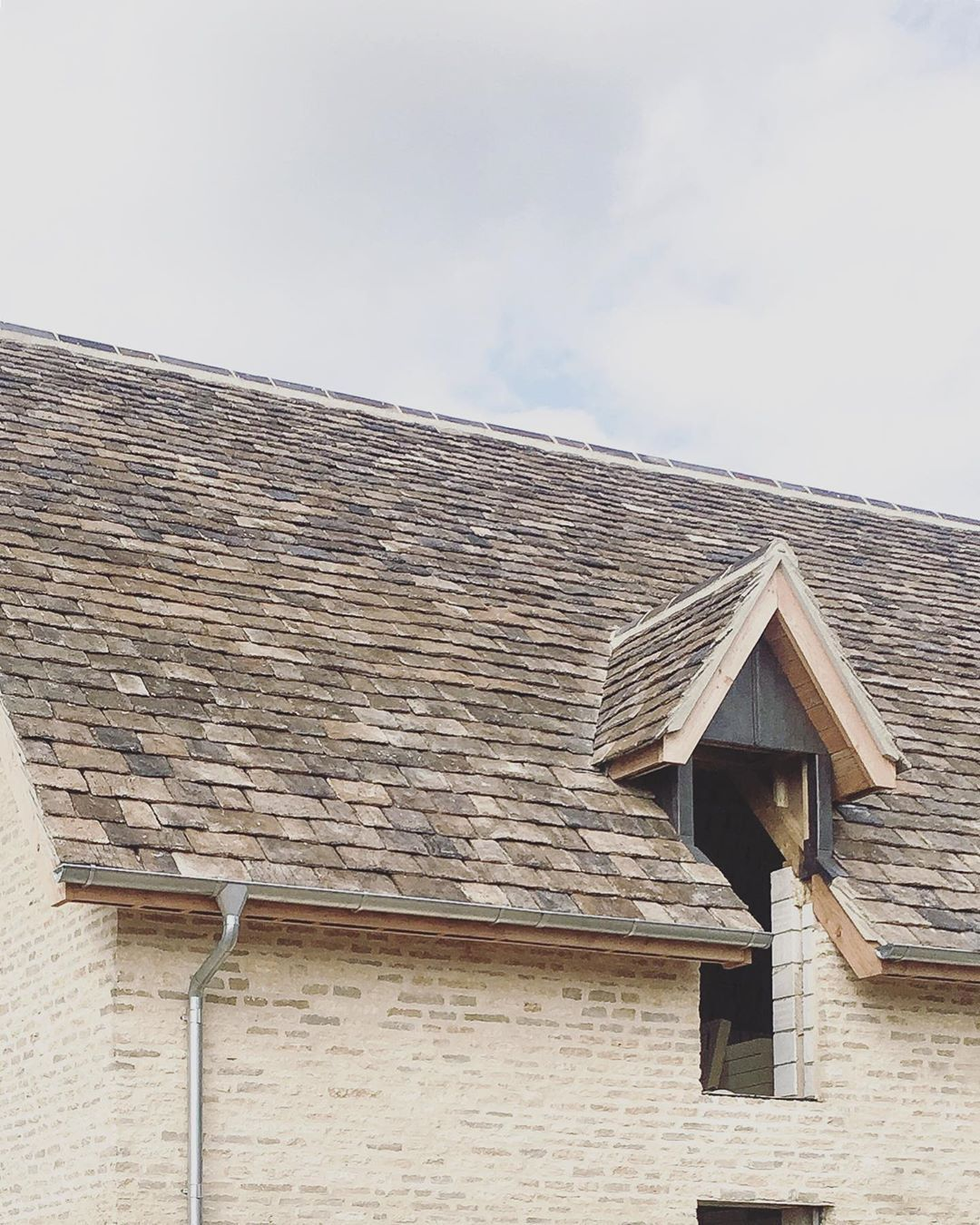 Louise Holt On Instagram Scaffolding Coming Down On Site Revealing The Architectural Details For This New Fami In 2020 Architecture Details Cotswolds Home And Family