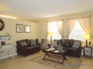 Beautiful Home for Sale in Olympia! Spacious formal living room. #olympiahomesforsale