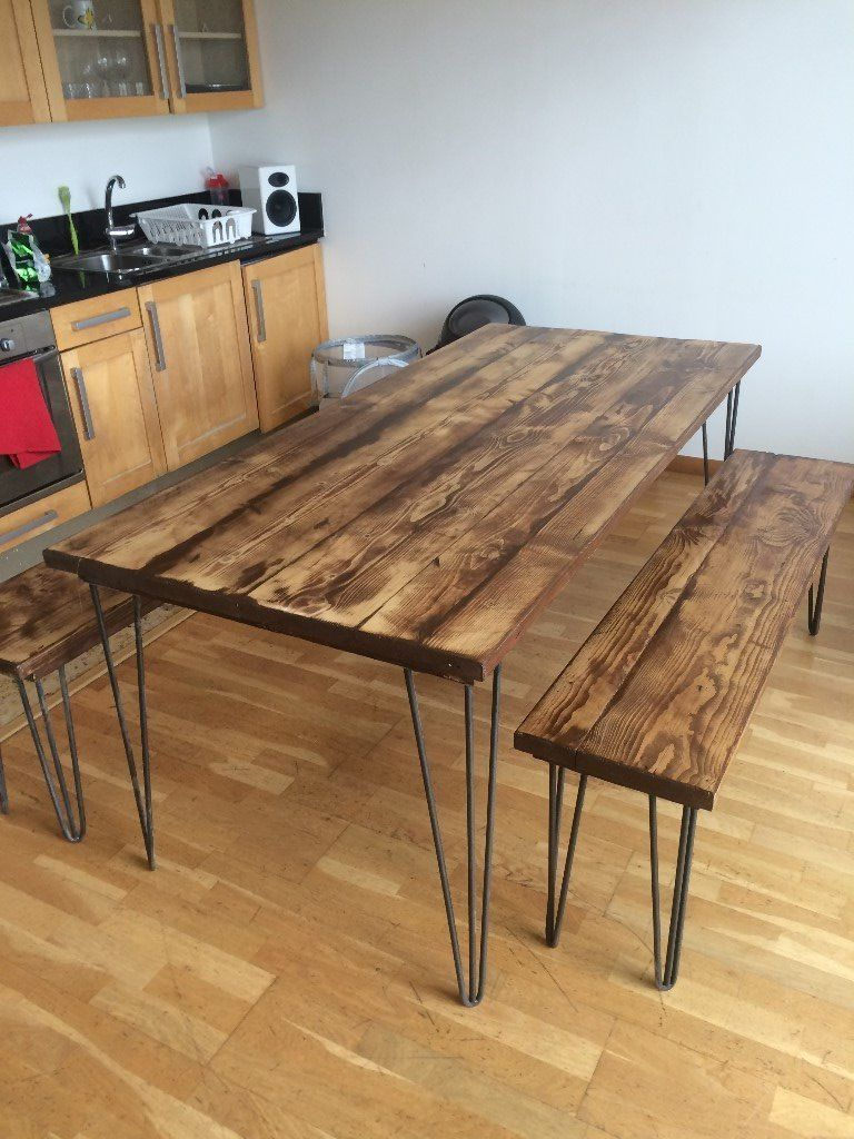 A Stunning Wooden Desk Table Made From Reclaimed Scaffolding  # Table Tv A Pied Unique But