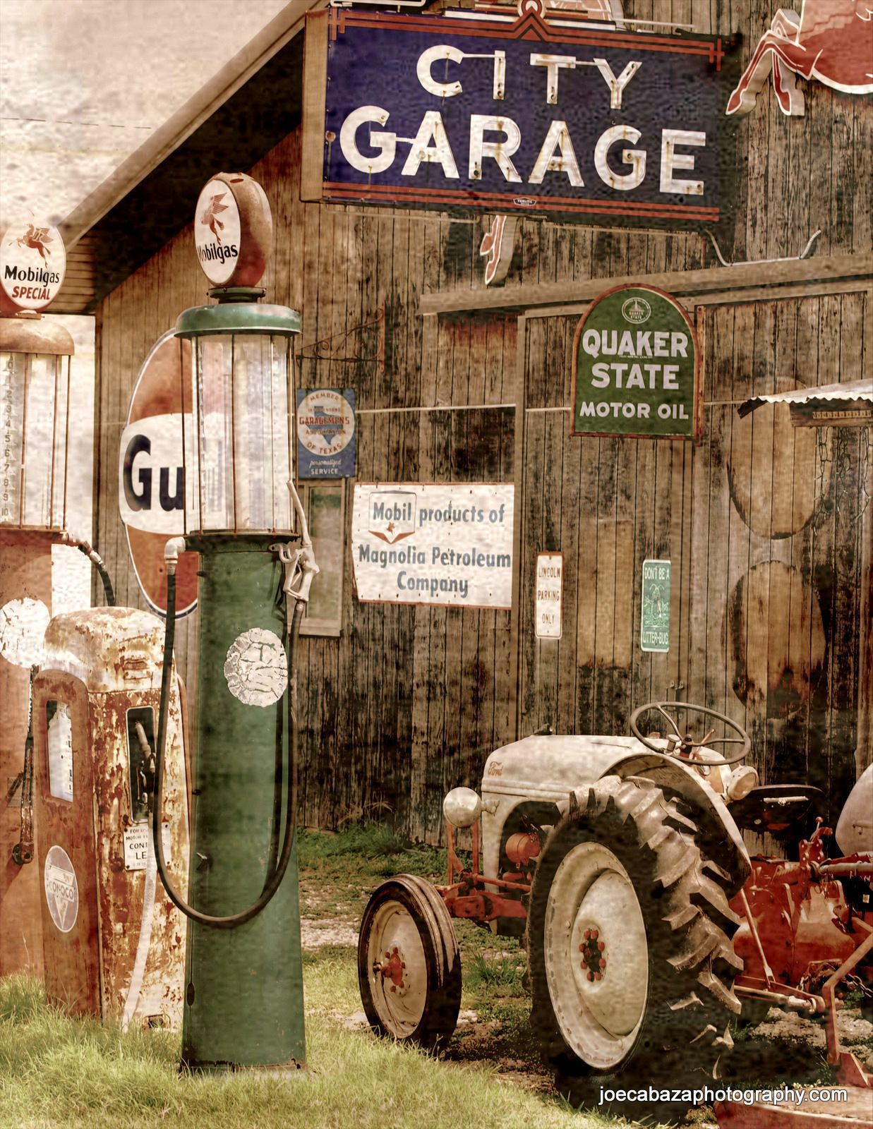 Vintage gas station and tractor soledo tx manden i mig for 99 cent store motor oil