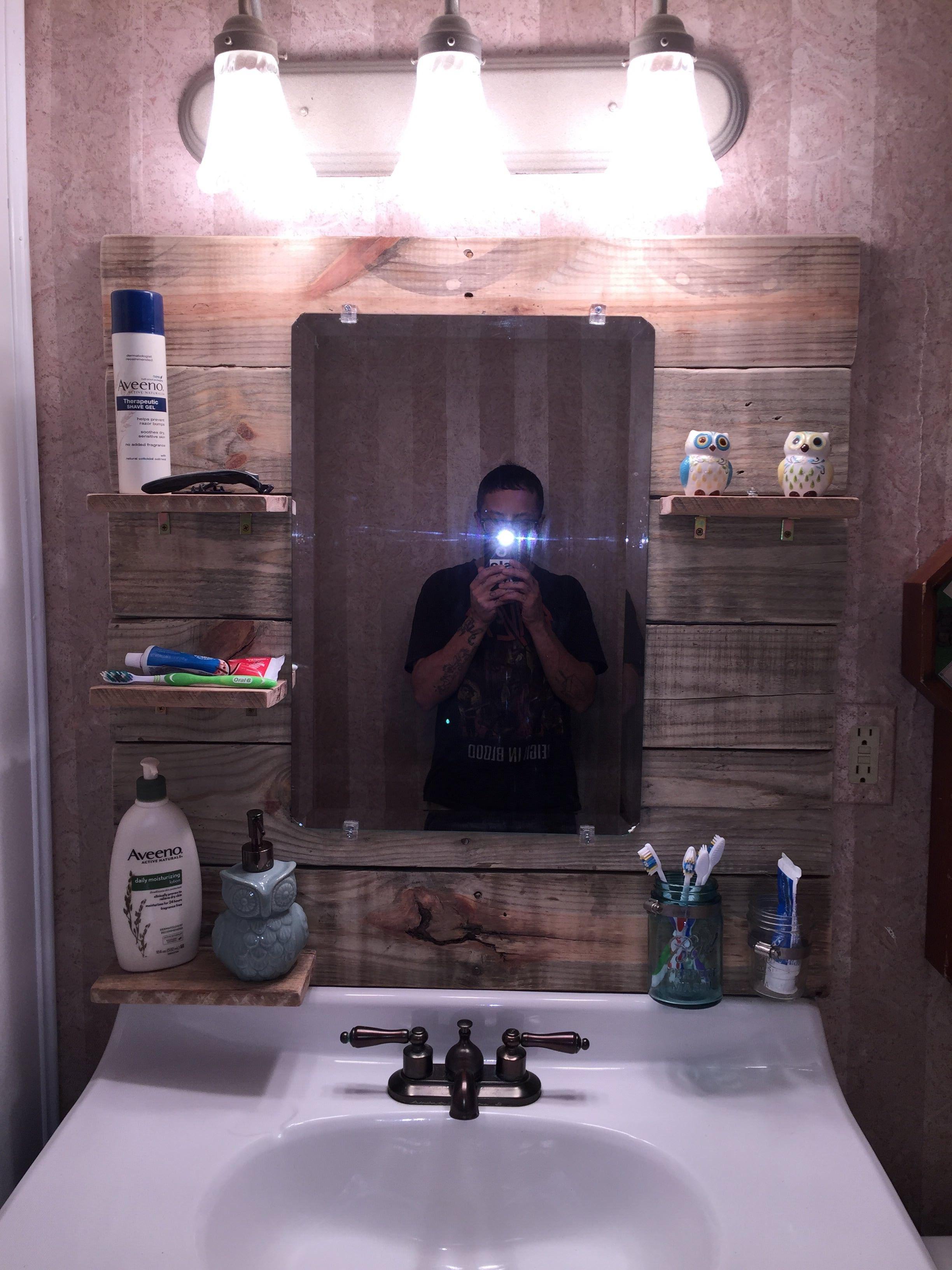 bathroom mirror project pallet wall doors pallet bathroom wood medicine cabinets bathroom. Black Bedroom Furniture Sets. Home Design Ideas