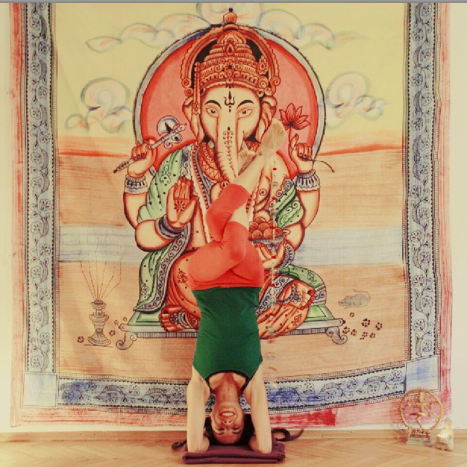 Garudasana Headstand