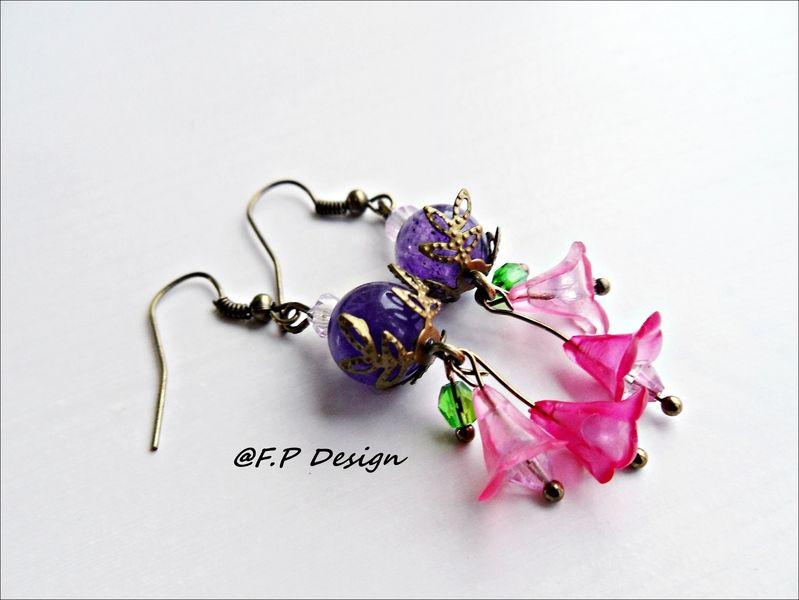 Ein schönes Paar frühlingshafte Blütenohrringe.     Verspielt und erfrischend.