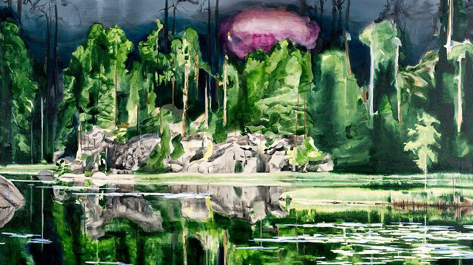 Tamara Piilola lisää oman jälkensä suomalaisen maisemamaalauksen traditioon. Piilolan suurikokoiset maalaukset houkuttelevat sukeltamaan sisälle metsän vehreyteen. Töitä on esillä Didrichsenin taidemuseon kesänäyttelyssä.