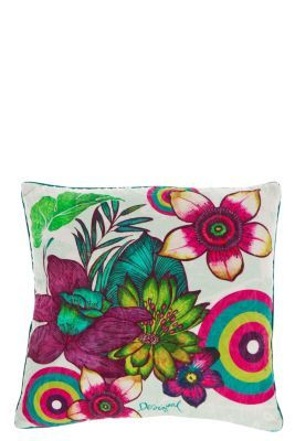 WOMAN WOVEN CUSHION LIVING