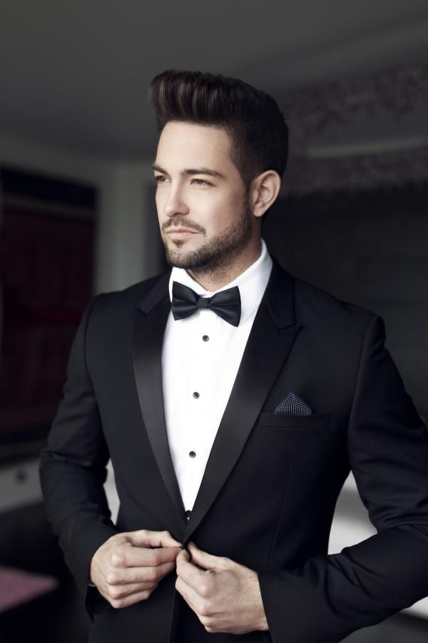 Wie Zieht Man Frauen Oder Manner An Gina Mets Frauen Gina Man Man Wedding Suits Men Black Wedding Suits Groom Groom Suit Black