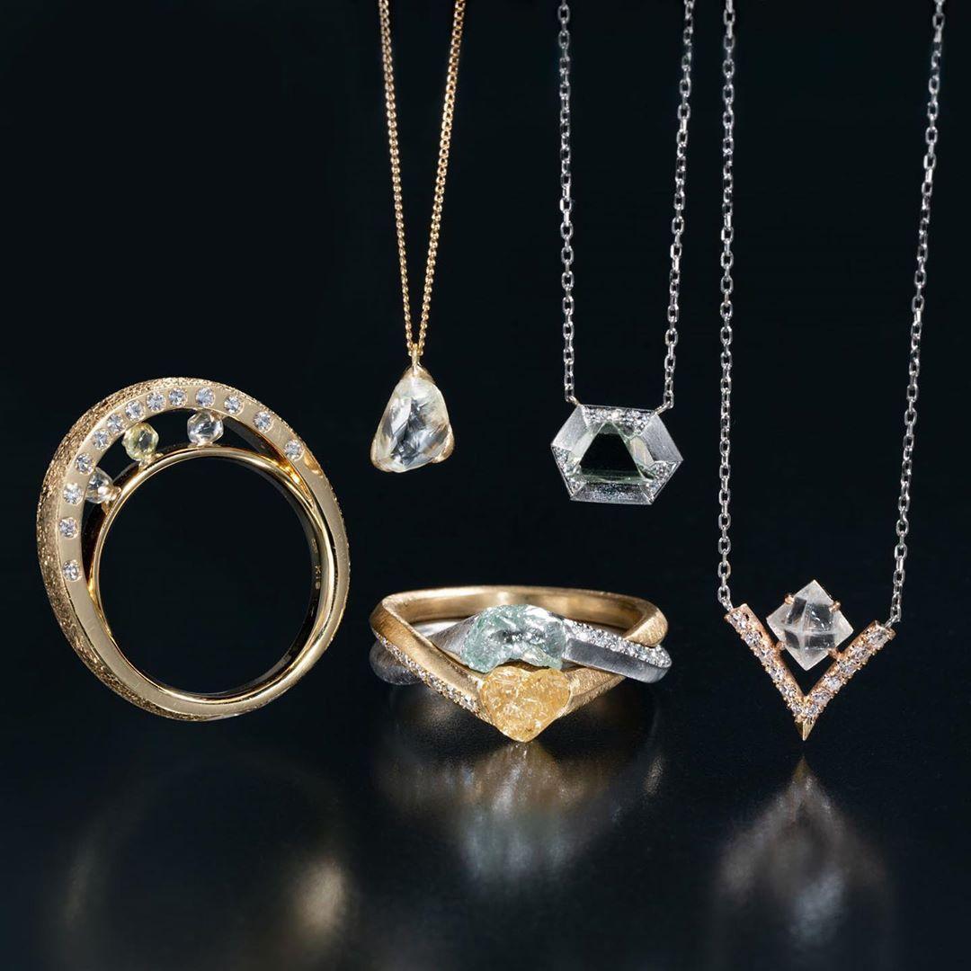 カイエさんはinstagramを利用しています 伊勢丹新宿店でのイベント 3日目となりました 連日お立ち寄りくださいましてありがとうございます アンカットダイヤモンドの新作 ずらりと取り揃えております popup shop at iset diamond necklace diamond