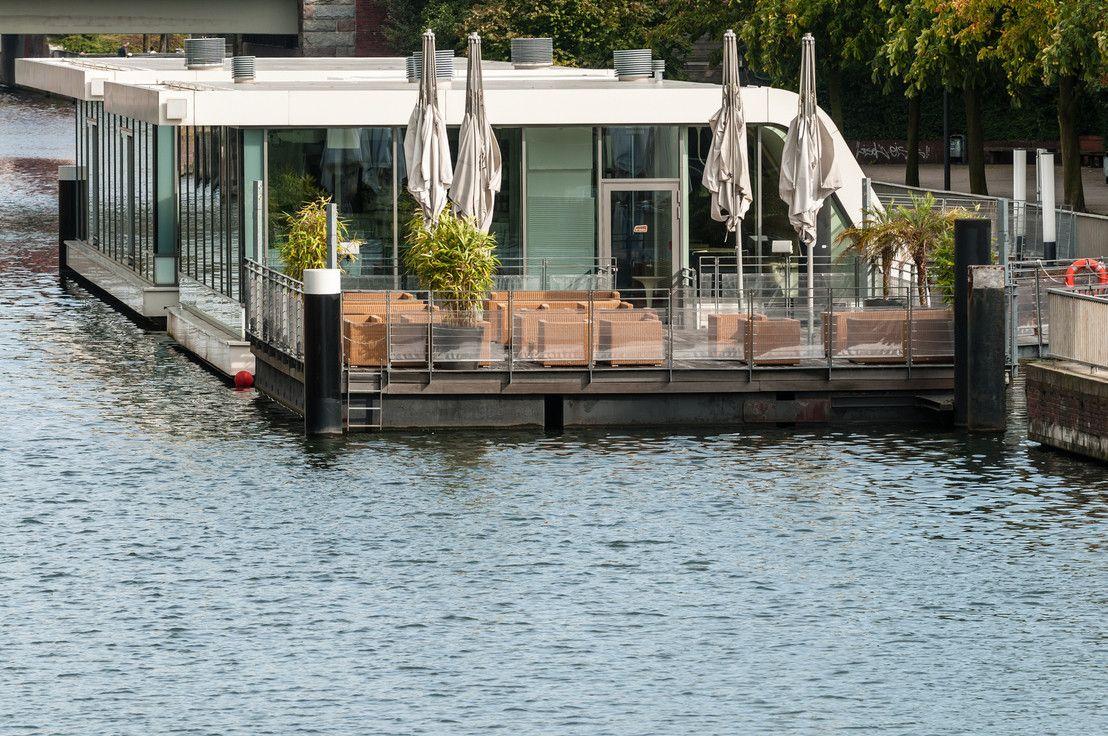 360 floating homes ein leben auf dem wasser. Black Bedroom Furniture Sets. Home Design Ideas