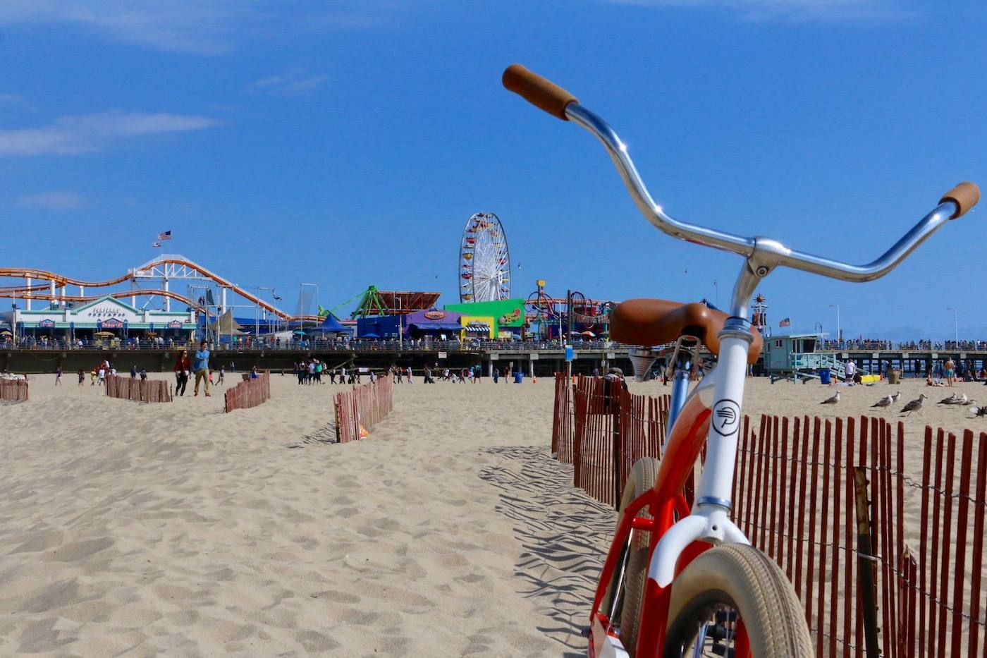 Los Angeles Beaches By Bike Part One Will Rogers Beach To Marina Del Rey Discover Los Angeles In 2020 Los Angeles Beaches Beach Bike Santa Monica Pier Aquarium