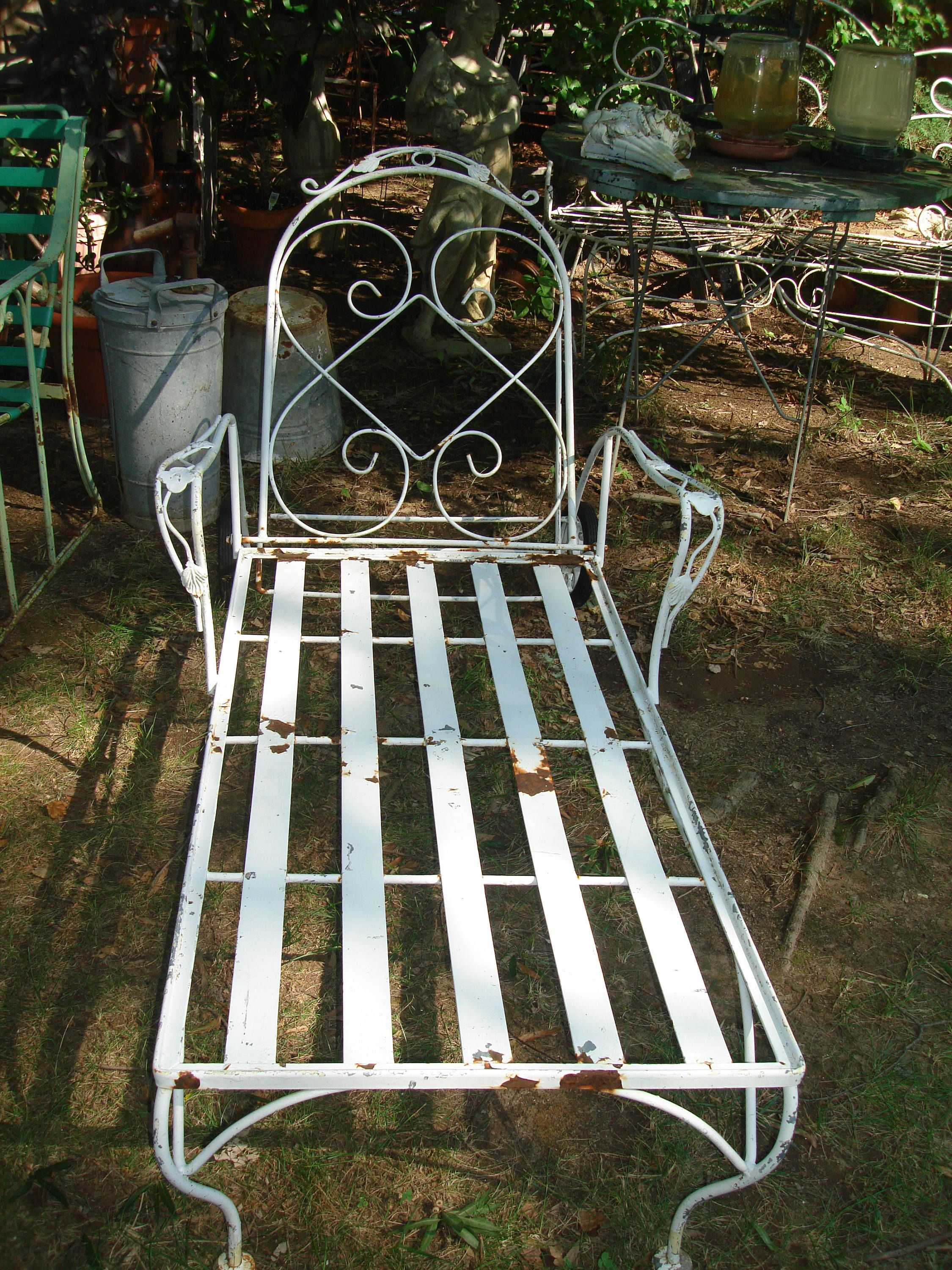 Clearance Sale 150 Off Antique Metal Outdoor Furniture Antique