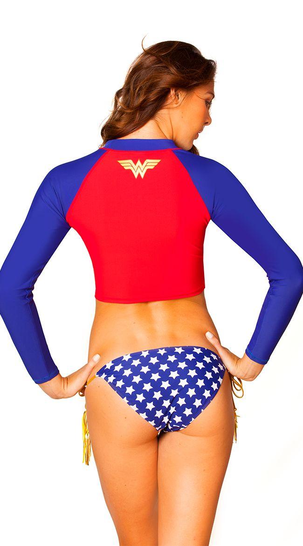 02cb993cc35f6 Wonder Woman Rash Guard
