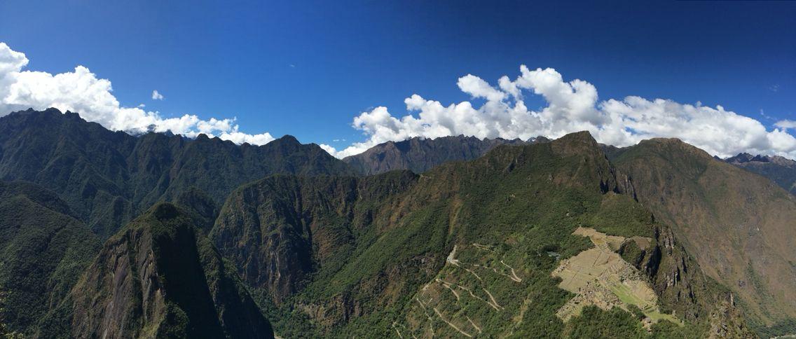 Montañas andinas del peru