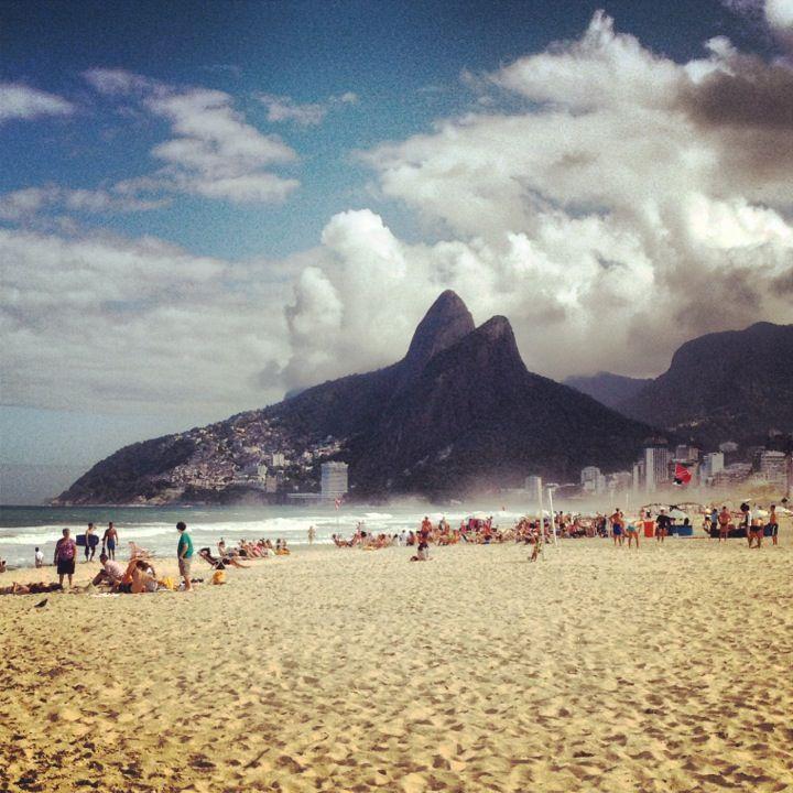 Praia de Ipanema, Rio De Janeiro Image Credit: http://bit.ly/1okOaQ7