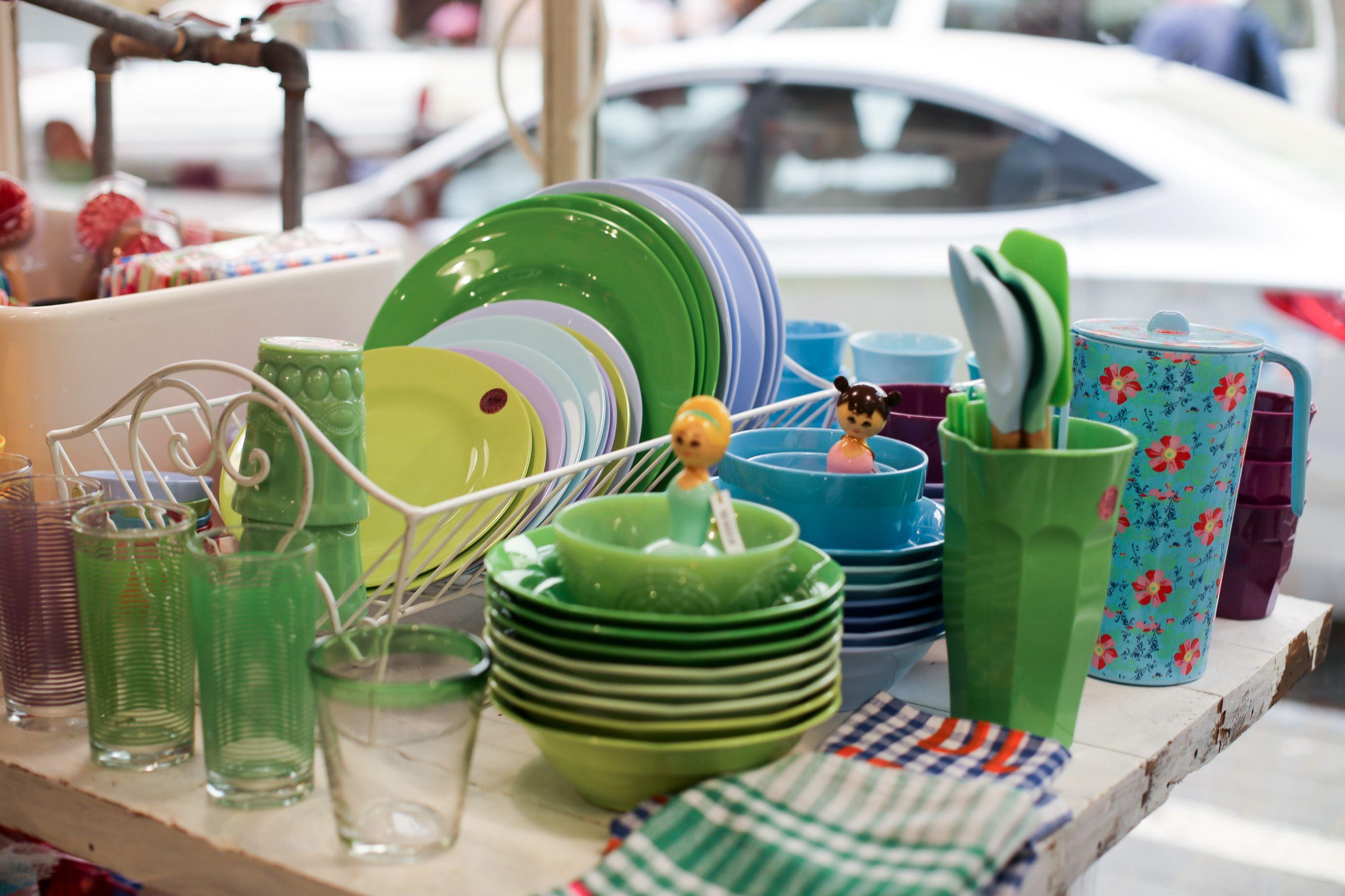 Kitchen design | Sofi, Nachman 3, Flea market, Jaffa @rice_up  photo by Naama Noach  #kitchen #interior_design #melamine #green #kitche_design