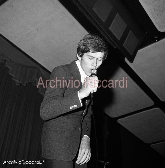 Gianni Morandi - 1968 - In concerto - 063