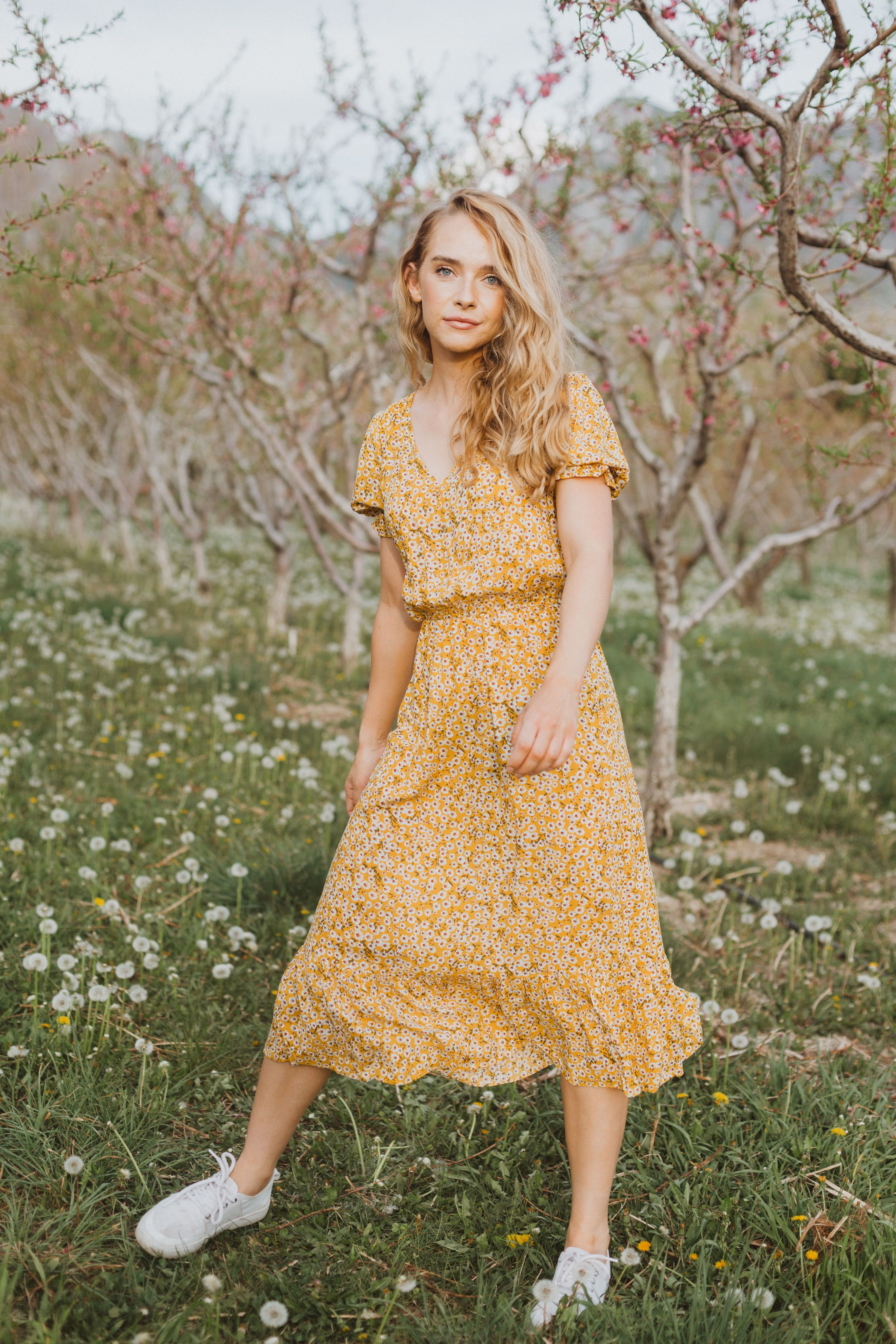 The Cameron Floral Midi Dress In Dandelion Long Summer Dress Outfits Summer Dress Outfits Summer Fashion Outfits [ 4500 x 3000 Pixel ]