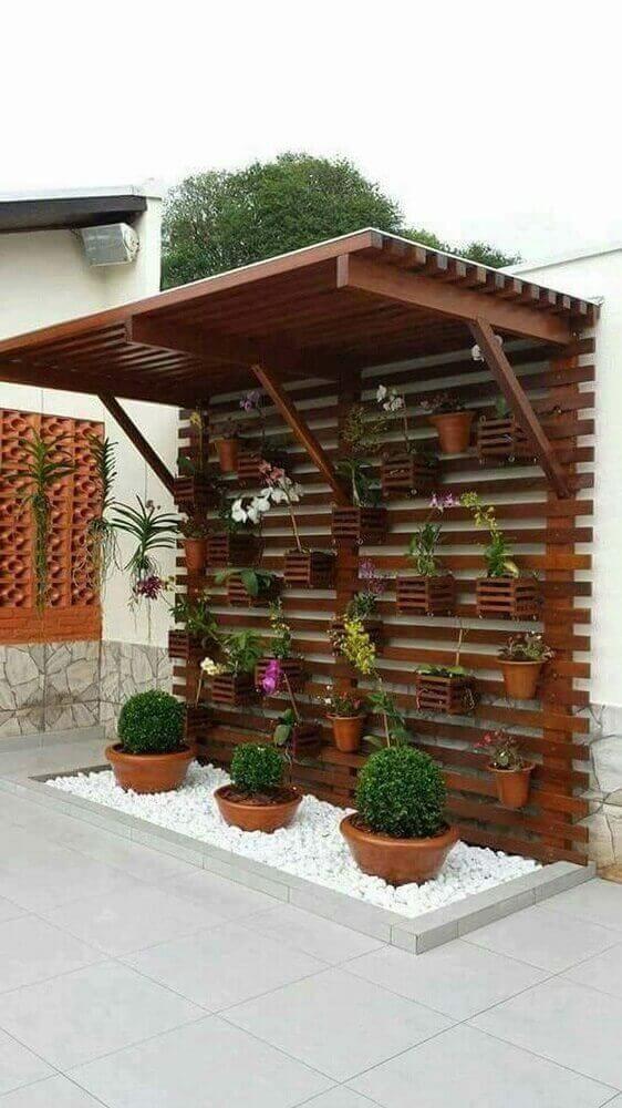 jardim feito com painel de pallet #paineldepallet #paineldeflores #flowers