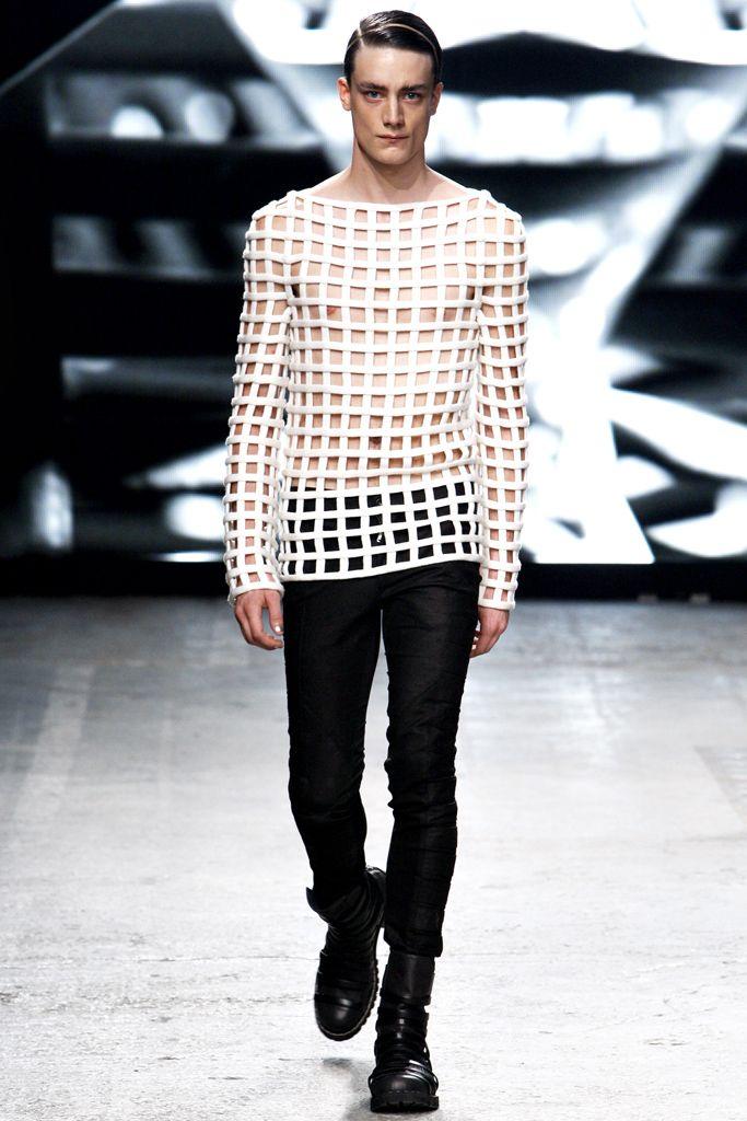Gareth Pugh Spring 2012 Ready-to-Wear