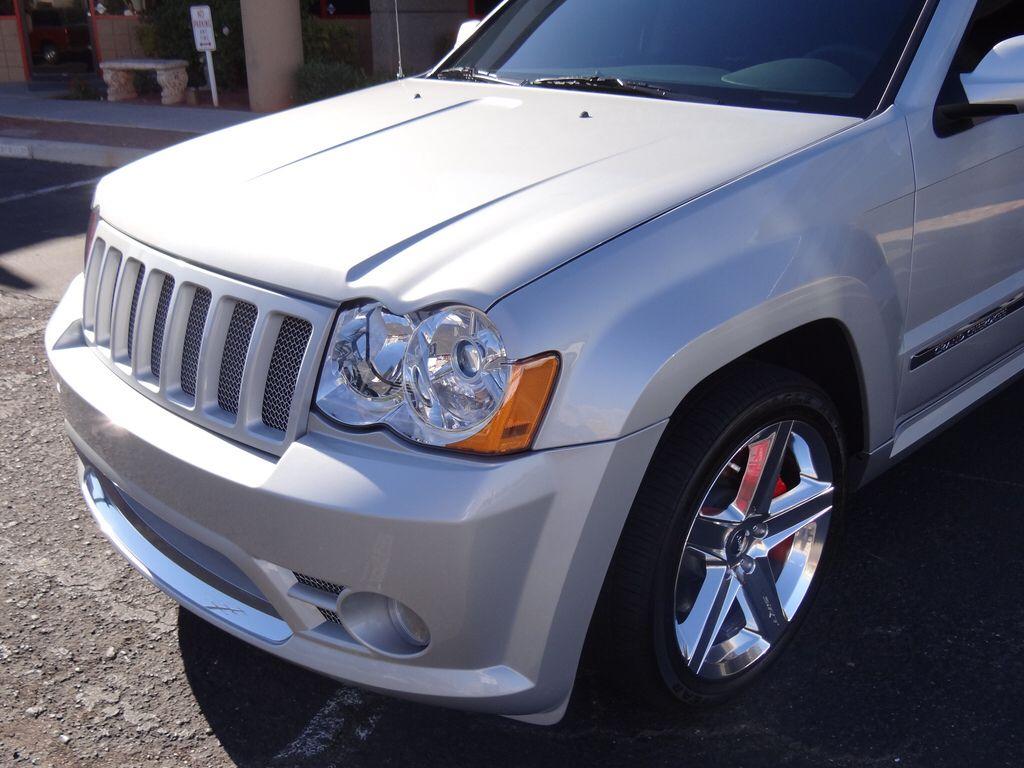 2010 jeep srt8