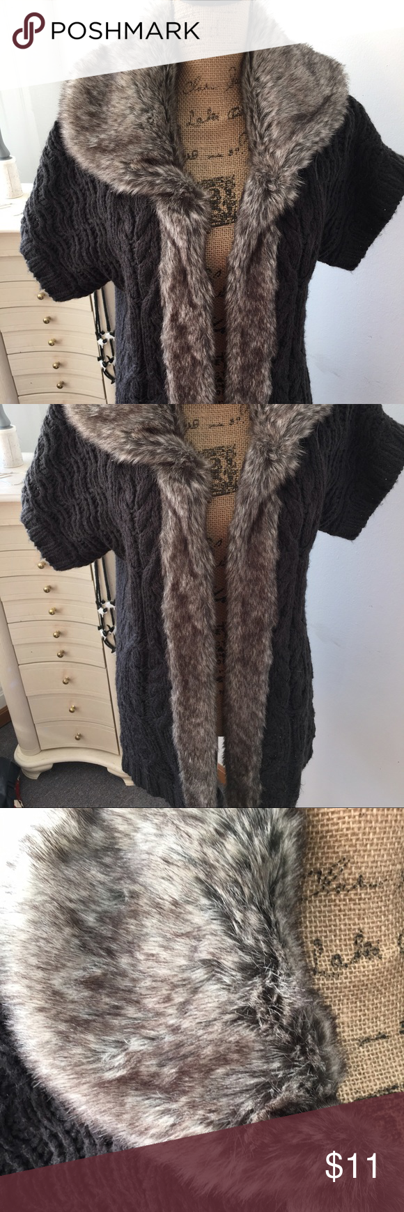 Sweater with faux fur collar Cute gray sweater with fun faux fur collar and trim Substantial weight and longer length Open style Very lightly worn From Kohls. Cats in da house 😻😻 Apt 9 Sweaters Cardigans