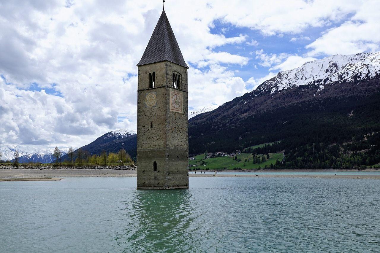 Italy, Reschensee, Curon Venosta, Resia Lake #italy, # ...