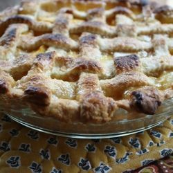 Peach Ginger Cardamom Pie - Glorious combination of fresh peaches with cardamom, crystallized ginger and a few scrapes of nutmeg make a luscious fruit filling.