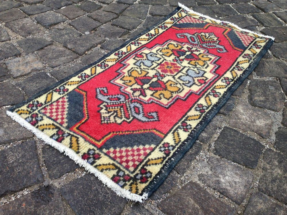 Carpet Wool rug Home decor Vintage rug Handmade rug Small Rug Doormat 46 x 88 cm = 1,5 x 2,8 ft Turkish rug