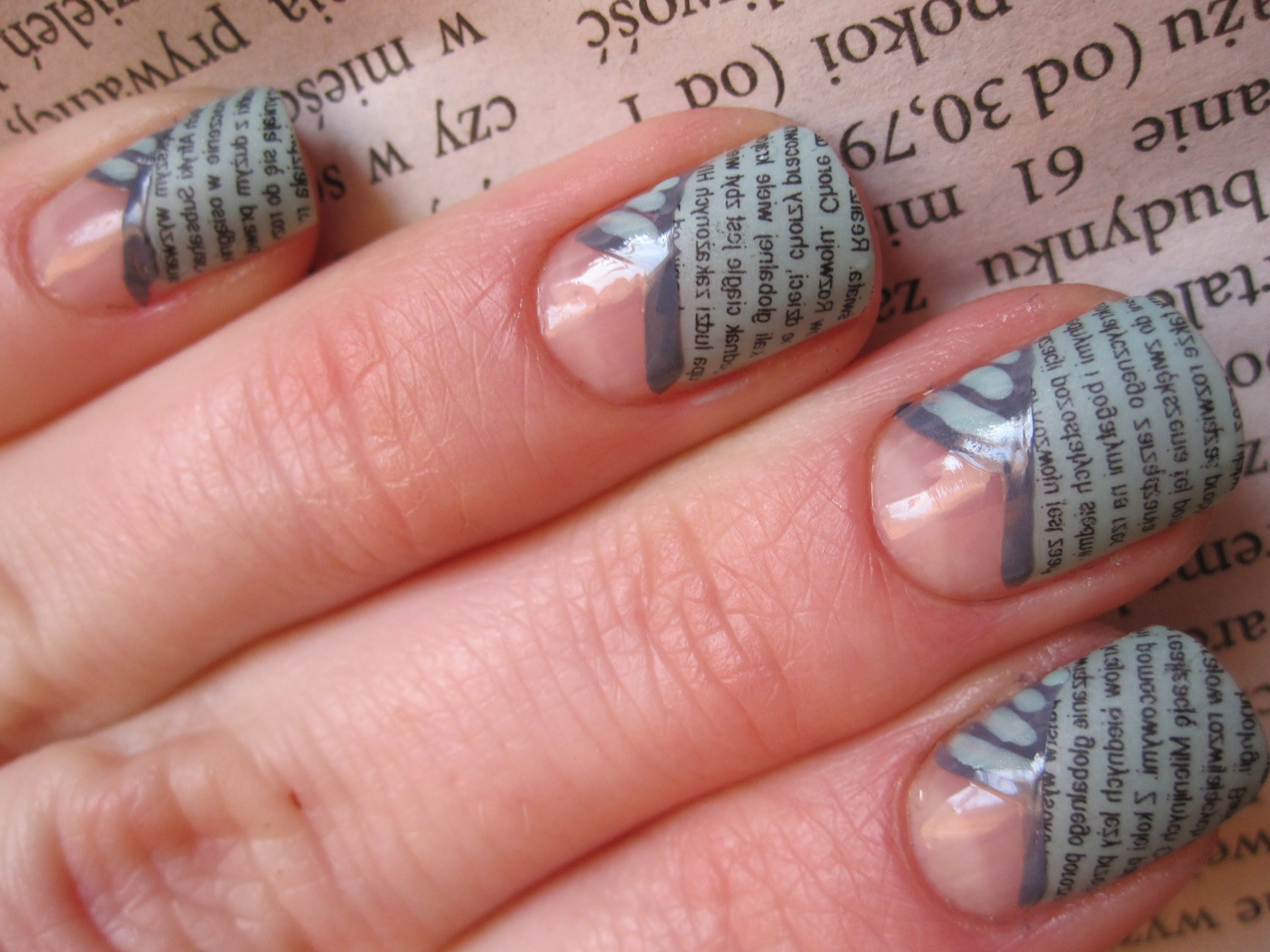 Gazetowy french - tutorial - metoda gazetowa - Newspaper nail art ...