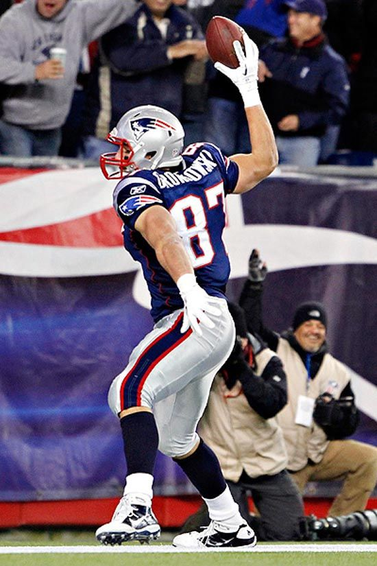 Gronk 87 Celebrating A Touchdown With His Signature Spike Patriots Gronkowski Patriots Football New England Patriots Football