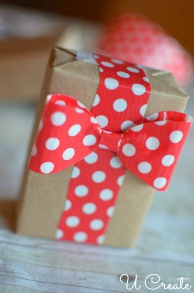 DIY Gift Wrap Bows with Duct Tape