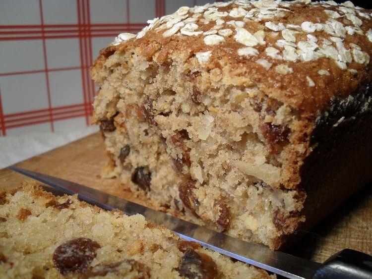 cake son d'avoine, amandes et raisins secs | recette | son de blé