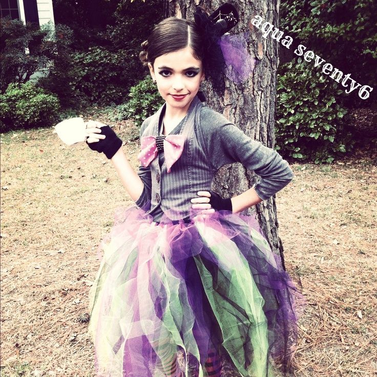 @AquaSeventy6: Mad Haute DIY Mad Hatter Costume. Another