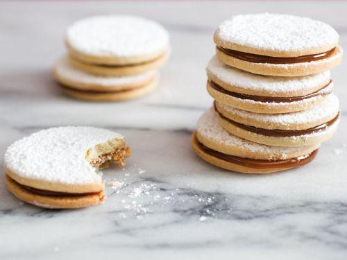 Alfajores Con Cajeta (Vanilla Shortbread With Goats Milk  Mein Blog: Alles rund um Genuss & Geschmack  Kochen Backen Braten Vorspeisen Mains & Desserts!