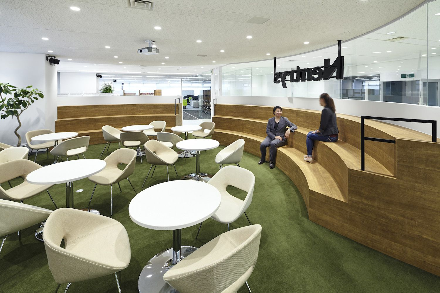 Tiered-seating / office bleachers from Nentrys Offices – Tokyo