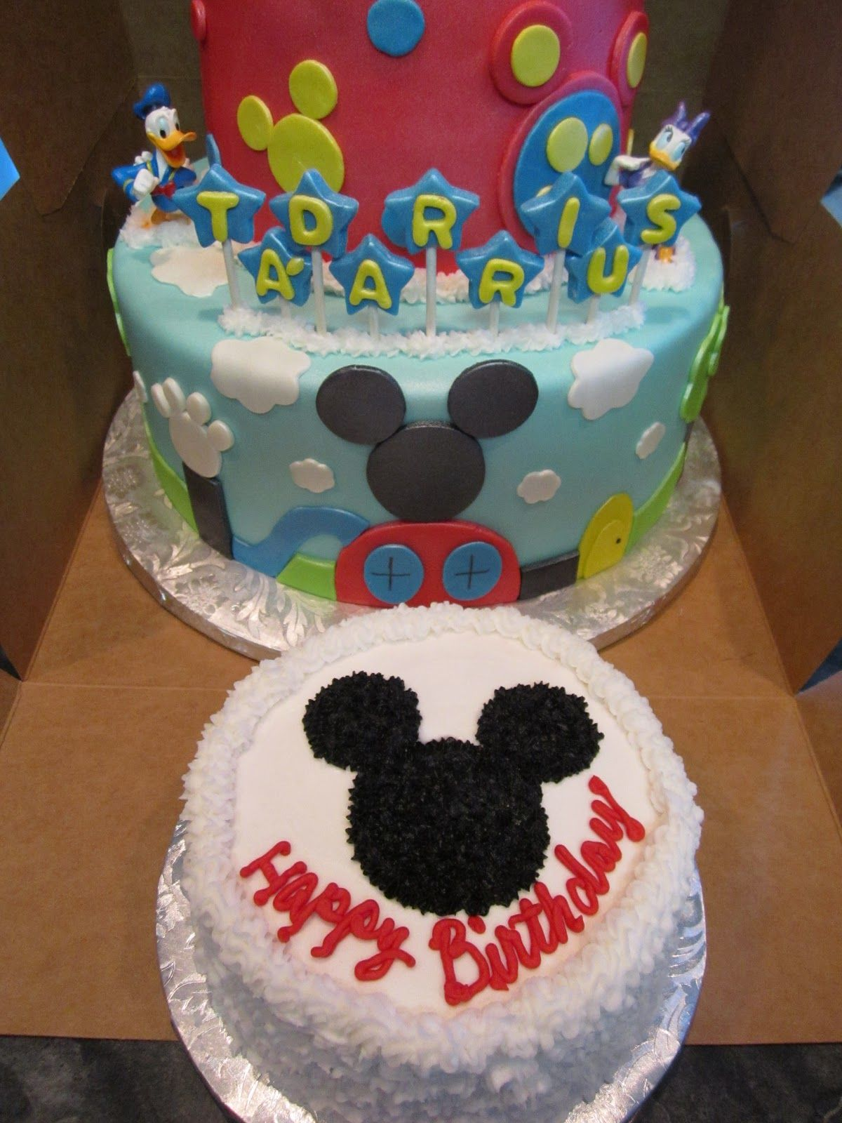 Monicakes Tiered Mickey Mouse Clubhouse Cake With Smash