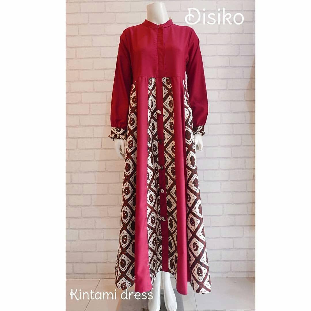 Gambar Mungkin Berisi Orang Berdiri Batik Fashion Model Dress Batik Batik Dress