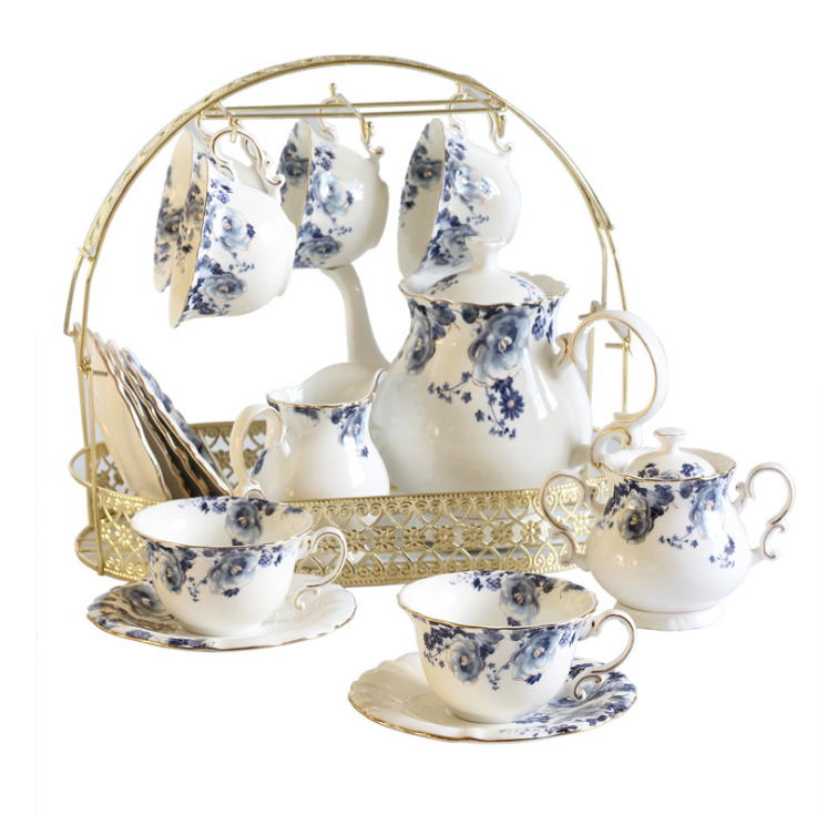Simple and elegant blue and white porcelain tea set This set contain:1 teapot,1 milk bowl, 1 sugar bowl,6 cups and 6 saucers,  email: lirancoffeecup@gmail.com whatsapp:+8617737705390 #teasets